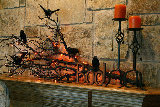 digsdigs._com_50-great-halloween-mantel-decorating-ideas__
